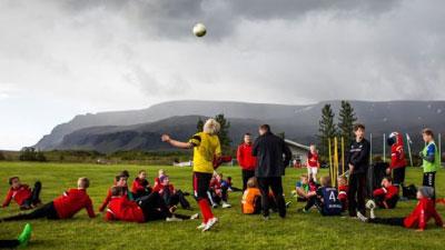 El secreto de Islandia para que sus jóvenes dejaran el alcohol y el cigarro