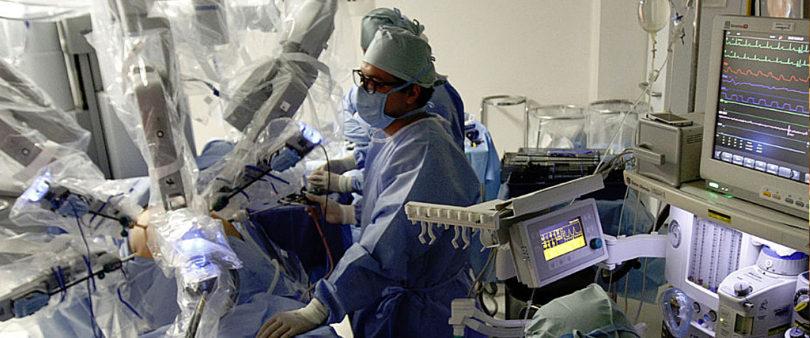 ISSSTE a la vanguardia con cirugías robóticas