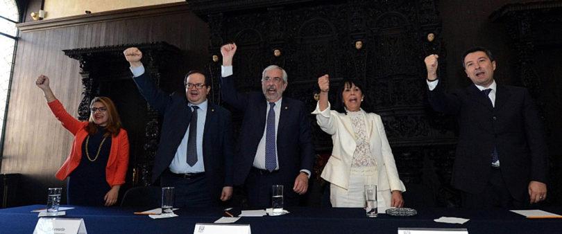 Celebra UNAM 115 años de la Facultad de Odontología